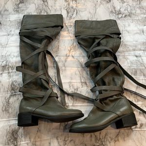 NEW Colin Stuart Grey Strappy Wrap Up Tall Boots